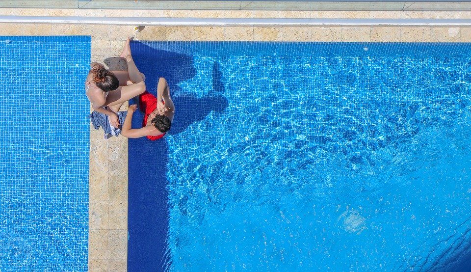 4 Tips for Keeping Your Hotel's Poolside Safe